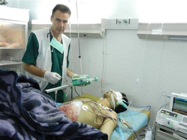 KRIG MOT SKADDE: – Vi har havnet i en fortvilet situasjon. Angrep på sykehus og klinikker foregår i økende grad. Vi har sett det gjentatte ganger i Jemen og i Syria, skriver Morten Rostrup. Her fra Libya i 2011.