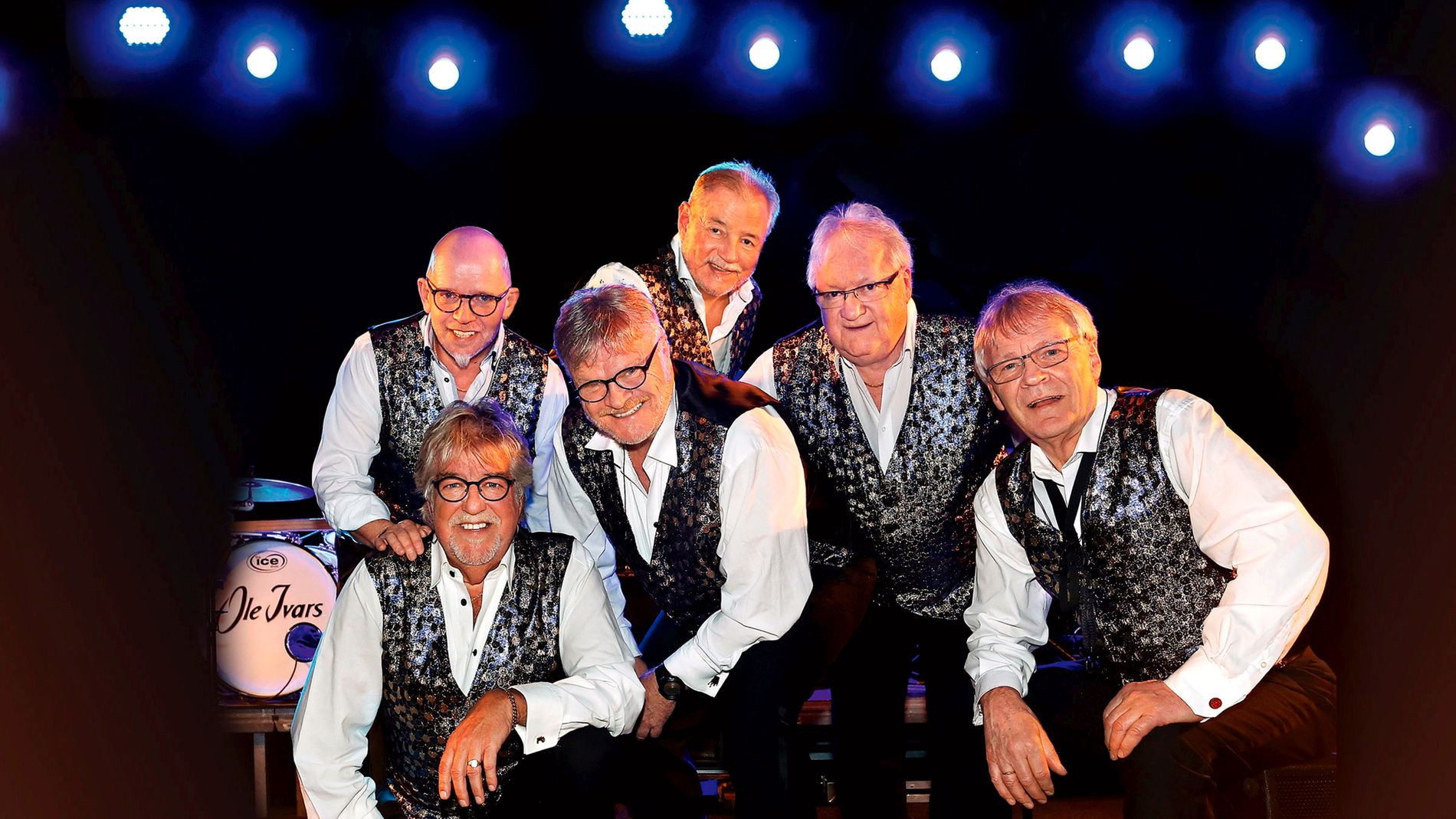 Ole Ivars - the band will appear in 2018, before Tore Halvorsen, sitting in front of the left, says thank you for 30 years.