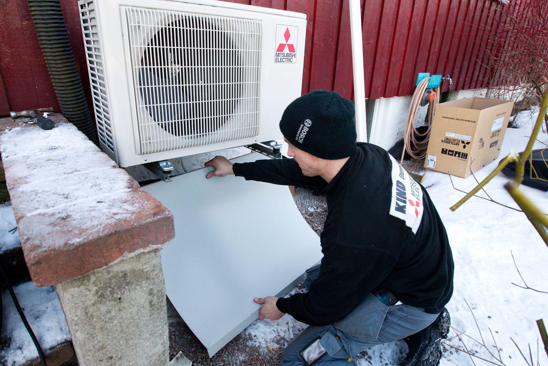 ØKER IGJEN: Levetiden på en vanlig varmepumpe er 12–15 år, og mange av de første må nå erstattes med nye.