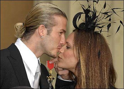 TIL RETTSSAK: Beckham-paret går til sak både mot barnepiken og avisen som brakte historien om deres angivelig ekteskapsproblemer. Foto: AP