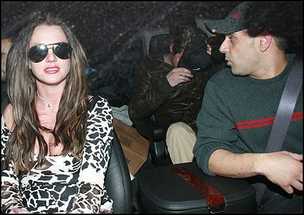 VAR NÆRE VENNER: Sam Lutfi påtok seg jobben som Britney Spears' beskytter. Her er de to på et bilde fra i fjor. Foto: WENN Foto: