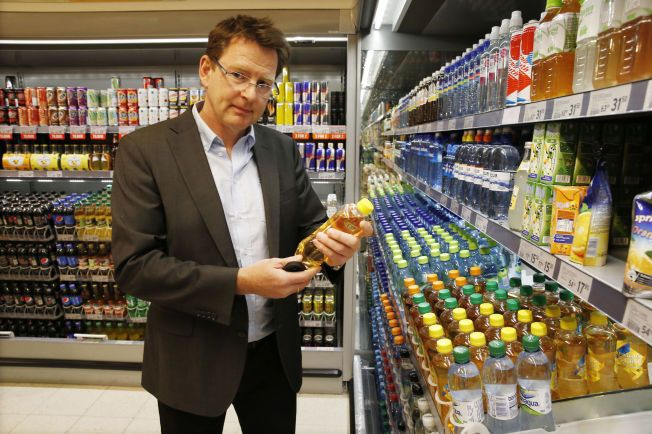 SØT GLEDE: NHO Mat og Drikke-direktør Gaute Lenvik forklarer hvorfor sukkerforbruket i Norge har gått så kraftig ned.