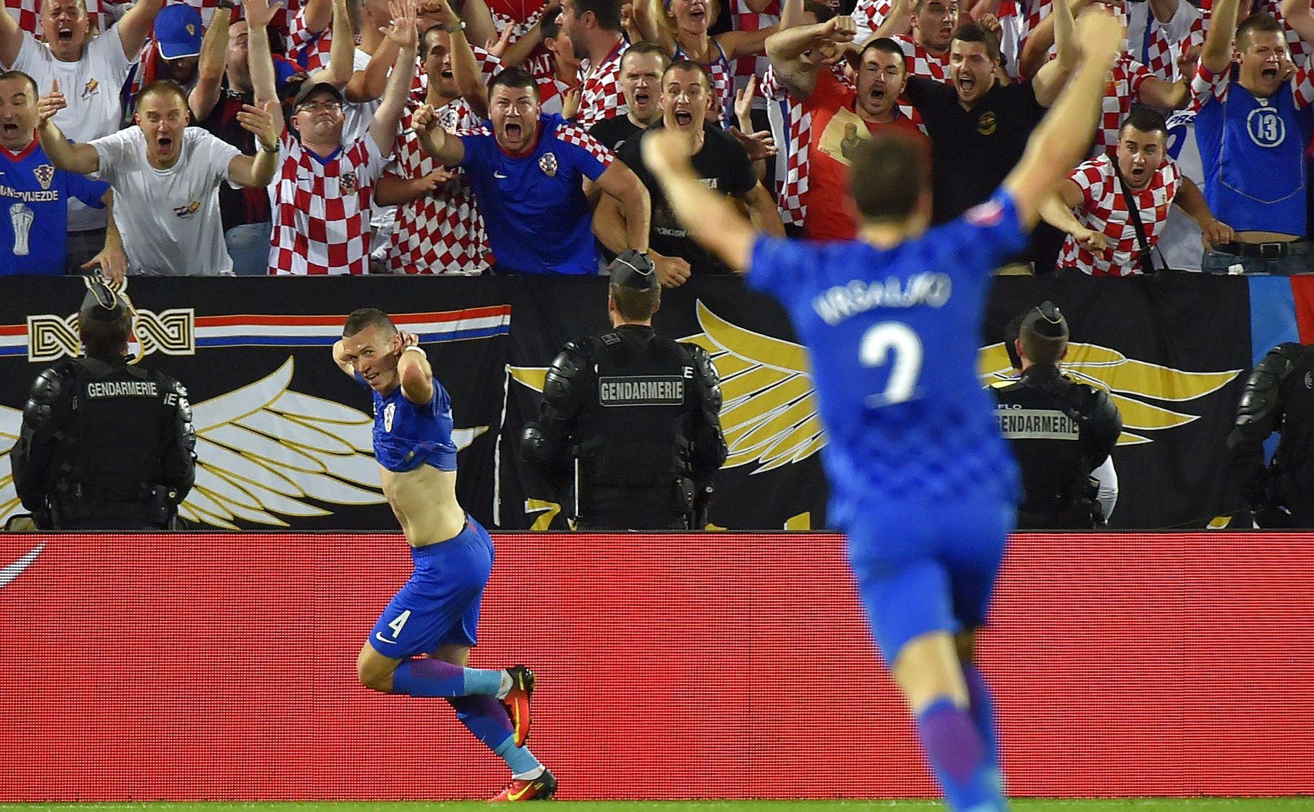 FANT FRANSK ÅPNING TIL GRUPPESEIEREN: Ivan Perisic feirer mål mot Spania på Matmut Atlantique stadion i Bordeaux i år.