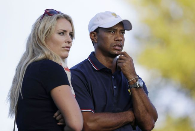 BRUDD: Lindsey Vonn og Tiger Woods er ikke lenger kjærester. Det amerikanske sportsparet bekrefer bruddet på sine Facebook-profiler. Her er paret fotografert i oktober 2013 under en turnering i Ohio.