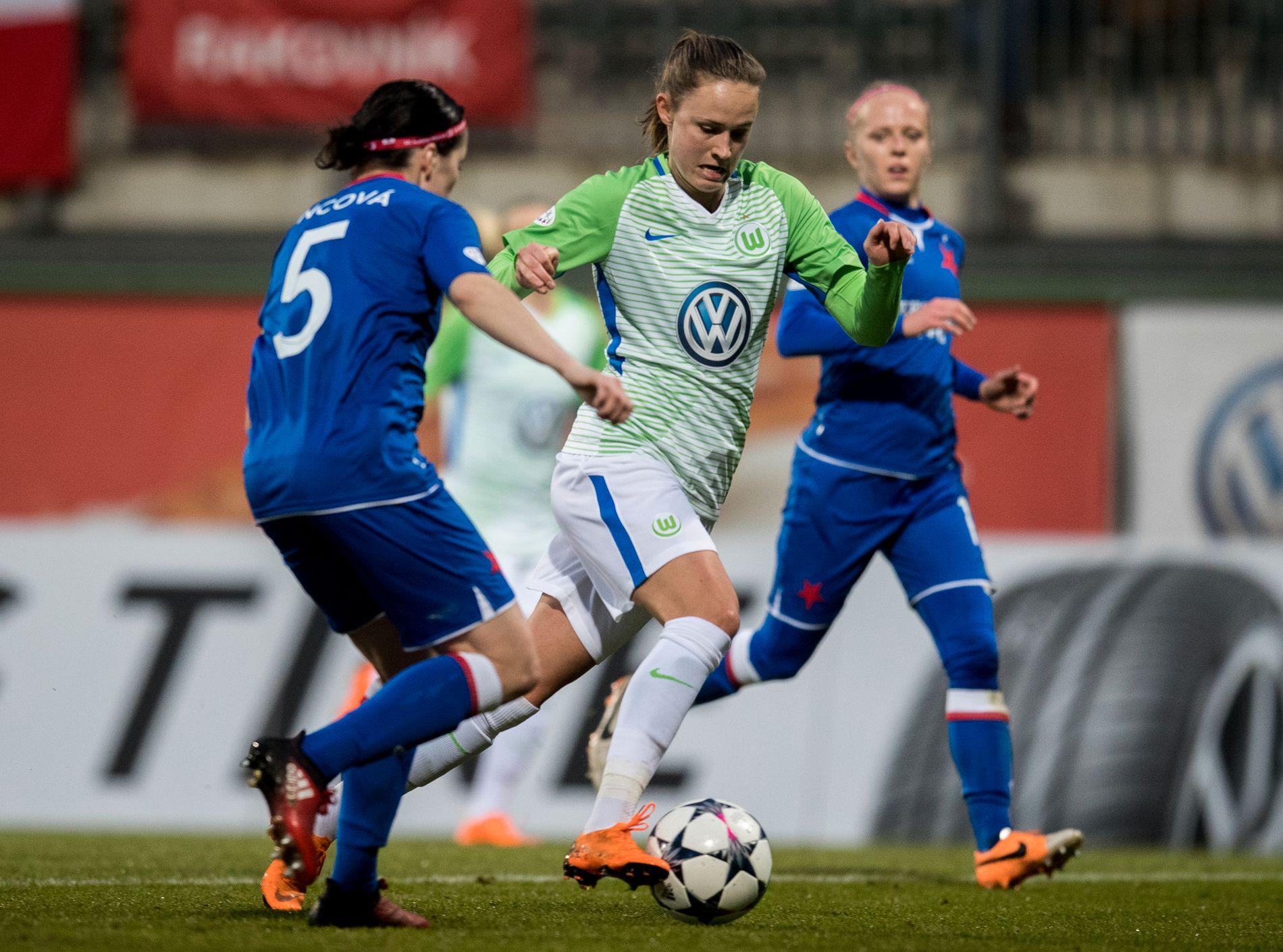 FØRSTE STIKK: Caroline Graham Hansens Wolfsburg tok en overbevisende seier i London. Her fra en kamp i mars.