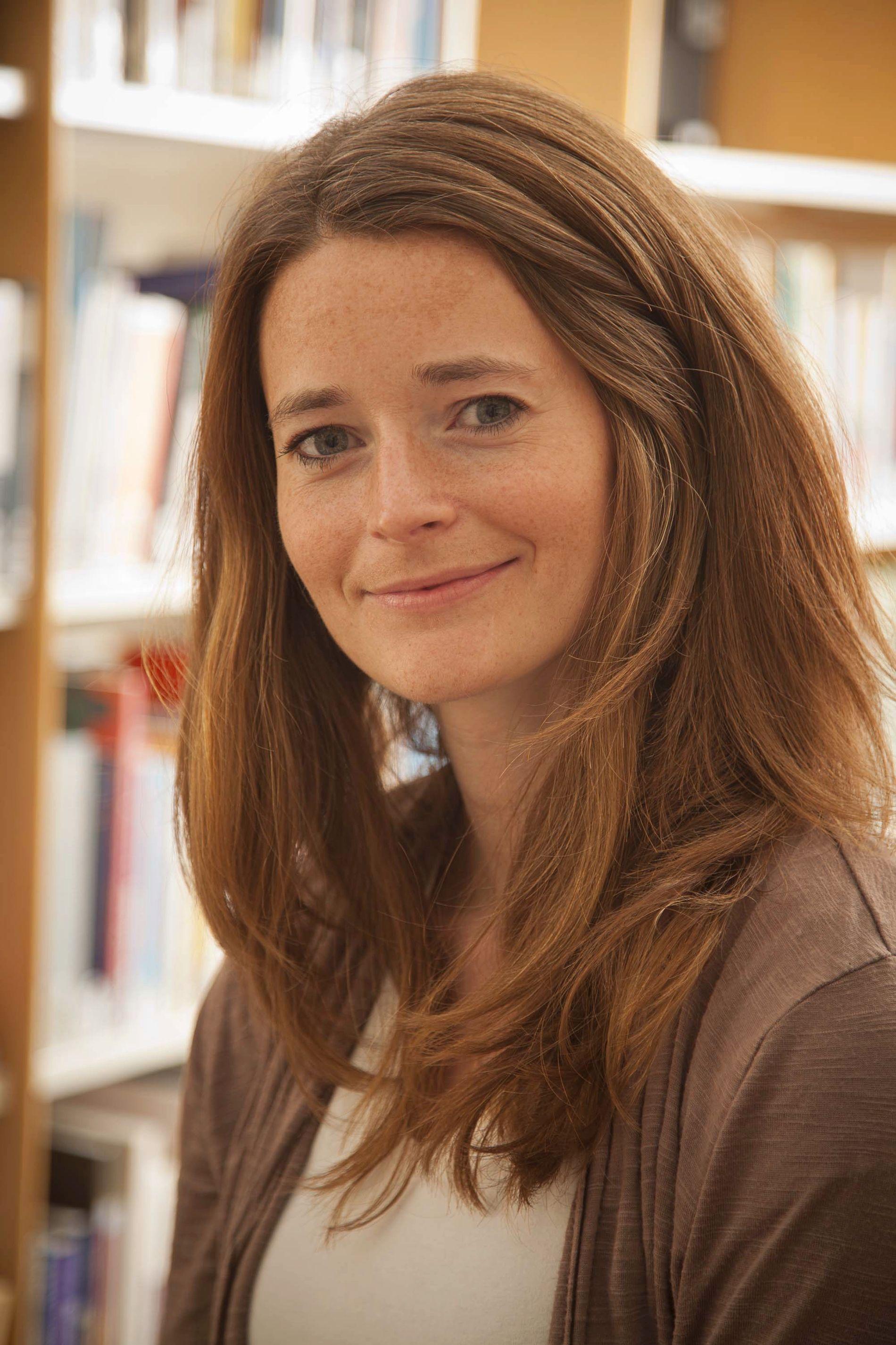 FORSKER: Psykolog og stipendiat Kristin Alver Glad ved Nasjonalt kunnskapssenter om vold og traumatisk stress (NKVTS) forsker sammen med ti kolleger på opplevelser og reaksjoner hos de som overlevde på Utøya. Hele prosjektet er ferdig i 2020.