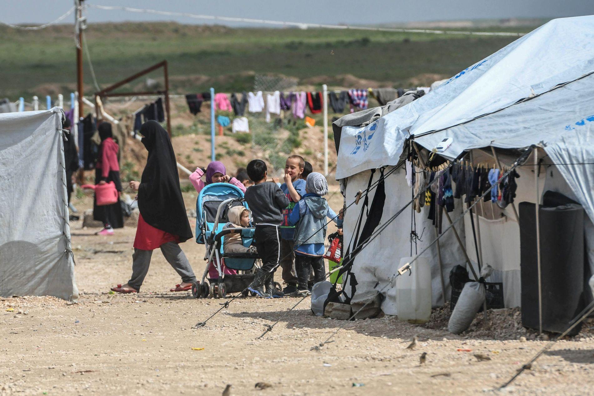 IS-KVINNENES LEIR: I denne leiren, Al-Hol i Syria, bor 78.000 mennesker.