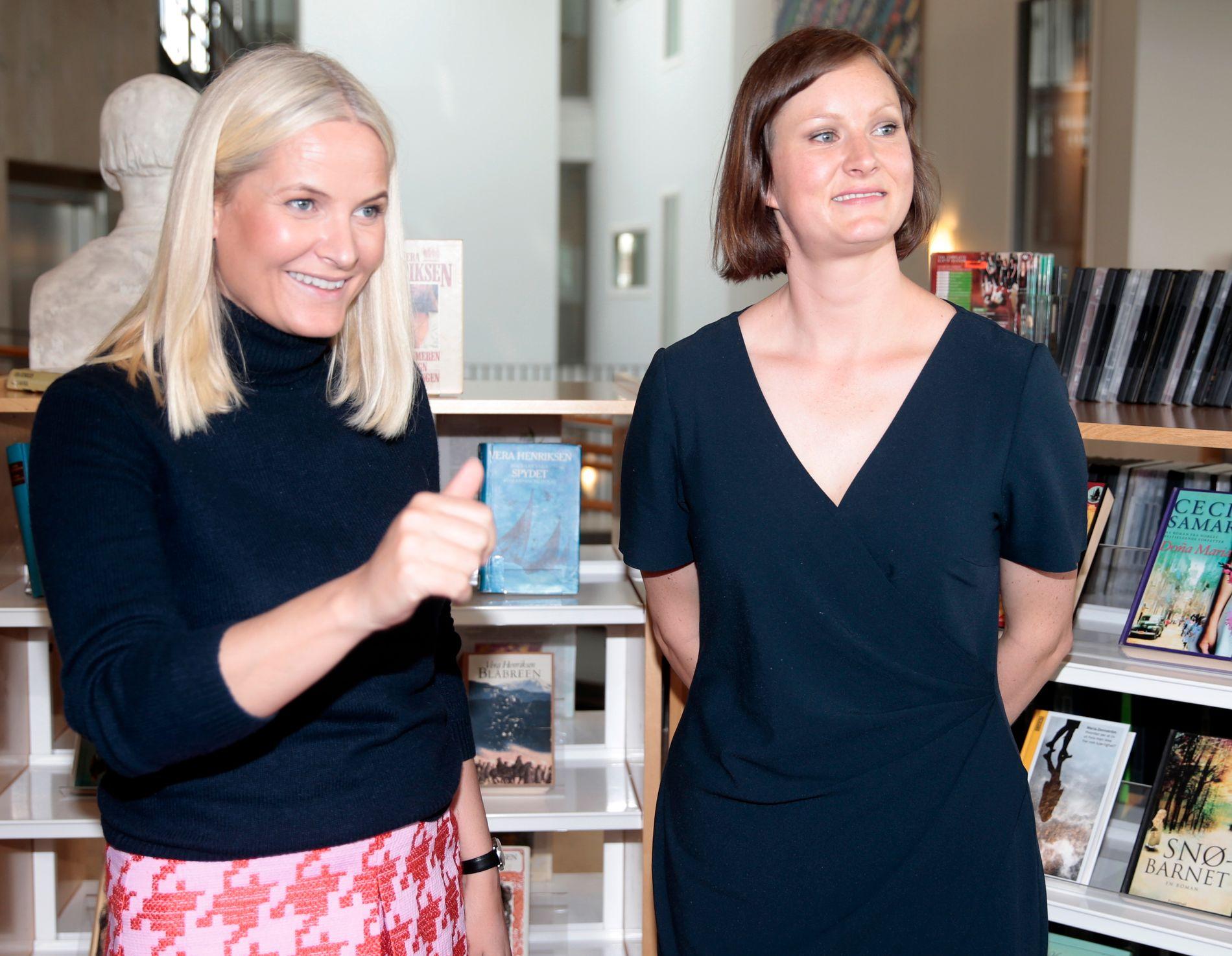 EN AV TOLV FORFATTERE: Agne Ravatn er blant forfatterne kronprinsesse Mette-Marit setter høyt og én av tolv forfattere som er med i boken «Hjemlandet og andre fortellinger» som kommer til høsten. Her fra Litteraturtoget 2016.