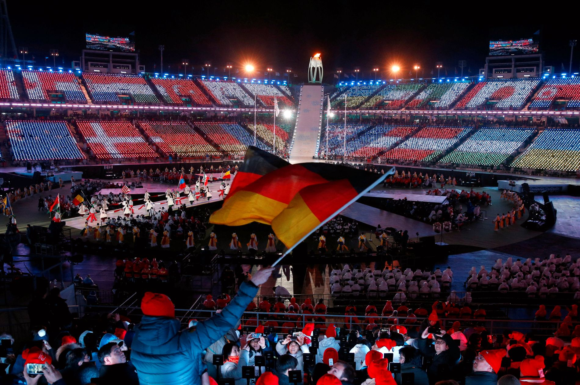 FIRE GANGERS BRUK – OG VEKK ME'N: 800 millioner kroner kostet anlegget som kun ble brukt til å åpne og lukke OL og Paralympics, før det skal rives.