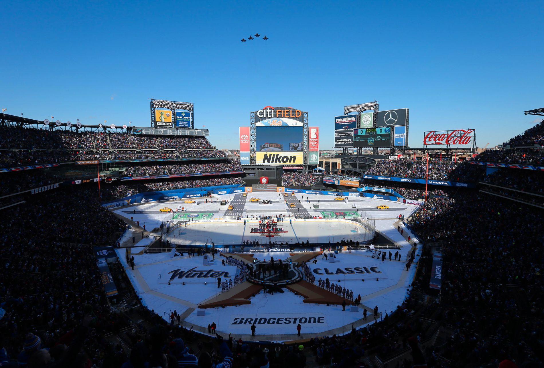BASEBALLARENA: Citi Field er egentlig hjemmebanen til MLB-laget New York Mets. 1.januar ble den brukt til Winter Classic-oppgjøret mellom Buffalo Sabres og New York Rangers.