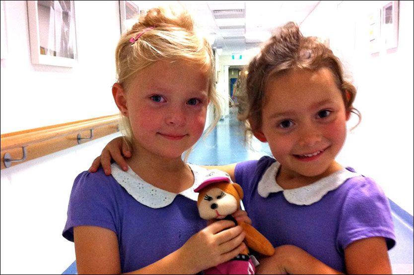 FÅR ENDELIG NORSK PASS: Agnes og Elliot (begge 5) hadde mistet sine norske statsborgerskap fordi de også er australske statsborgere. Foto: PRIVAT