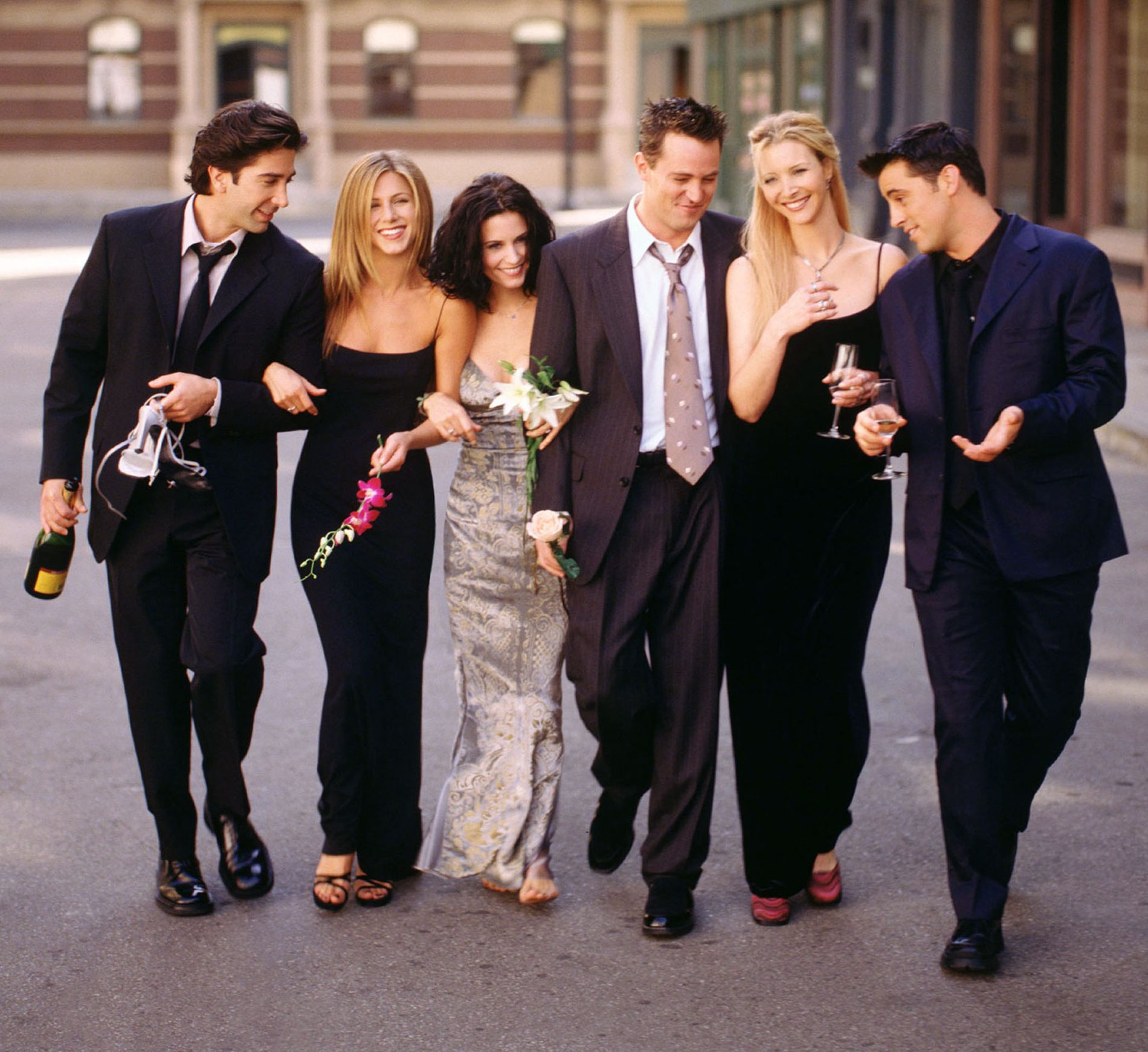 Skuespillerne bak seersuksessen «Friends». 18 år etter at dette bildet ble tatt, er ikke Aniston helt fremmed for en relansering.