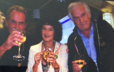 Krim-kolleger: Jeg savner dem begge to. De var gode kolleger og gode menn, sier Unni Lindell om Jon Michelet og Henning Mankell. Her er på Stingfestivalen i Stavanger på begynnelsen av 200-tallet.
