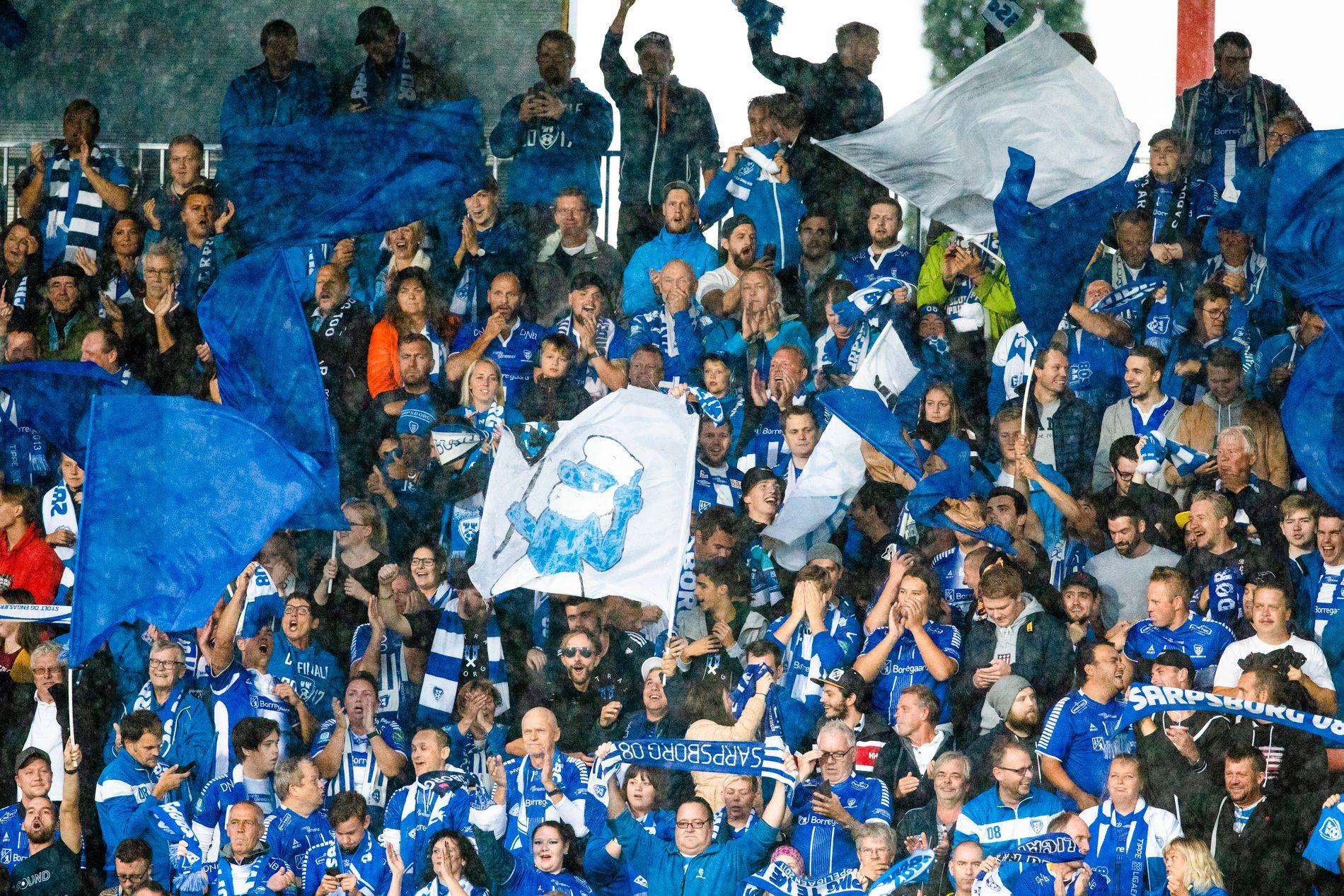 GÅR HJEM HOS «SÆRPINGENE»: Det har vært full Europacup-feber på Sarpsborg-stadion de siste ukene. Her fra hjemmeseieren mot Maccabi Tel Aviv.