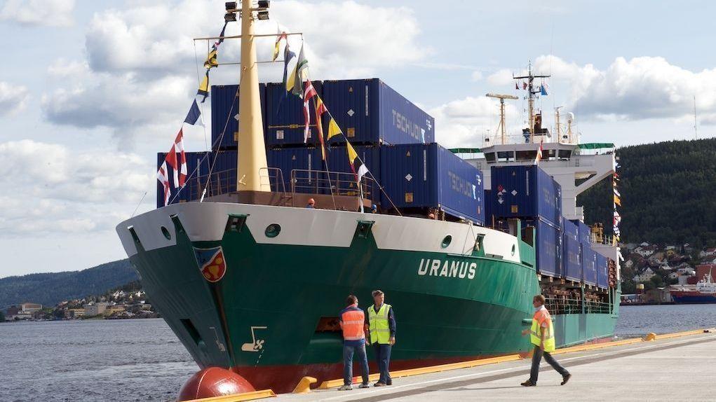 FORTRINNSRETT TIL BESVÆR: Danske Holship har kjempet mot norske havnearbeideres fortrinnsrett for laste- og lossearbeid ved Drammen Havn. De vil heller bruke sine egne ansatte på en annen tariffavtale. Arkivbilde.
