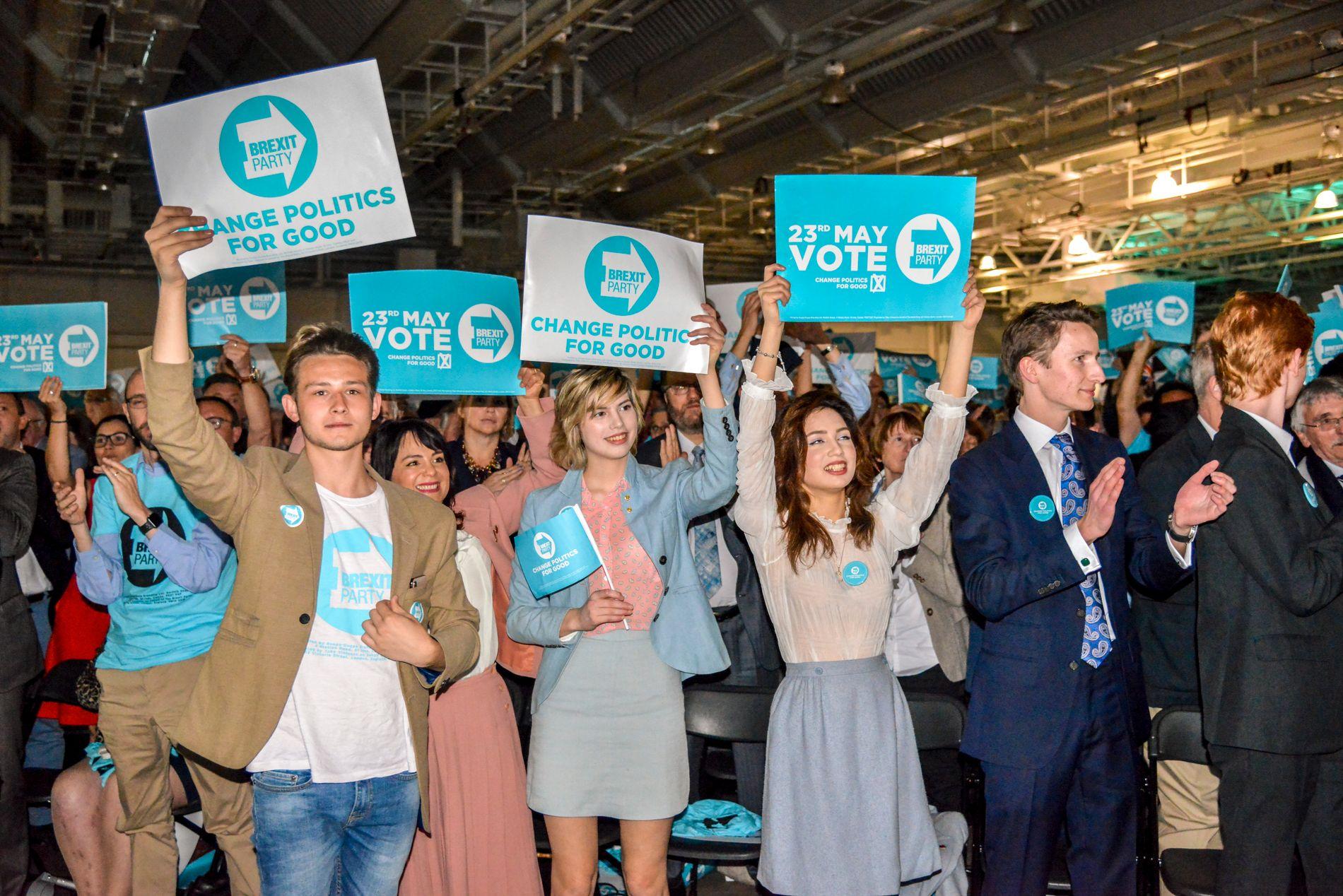 JUBEL: 3500 fremmøtte jubler for Nigel Farage og brexit-partiet.