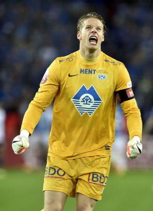 OPPGITT: Molde- og landslagskeeper Ørjan Håskjold Nyland går hardt ut mot de som fryder seg over Mushaga Bakengas skade. Her jubler han etter en Molde-scoring i cupfinalen i fjor.
