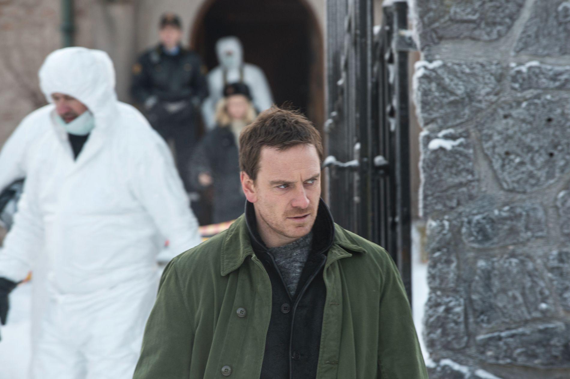 PÅ SERIEMORDER-JAKT: Michael Fassbender på innspilling av «Snømannen» i Norge.