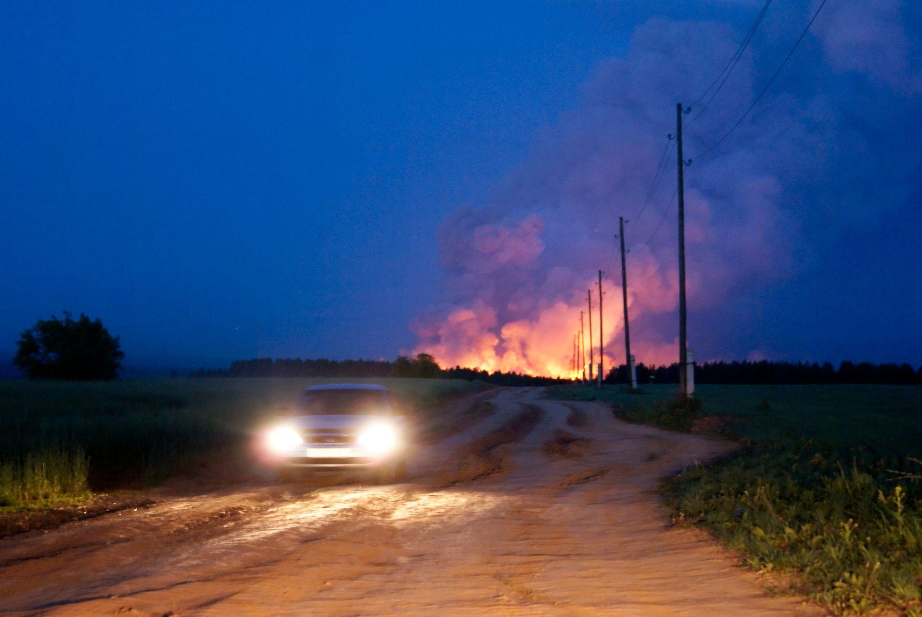 Det samme ammunisjonslageret ble rammet av brann også for sju år siden.