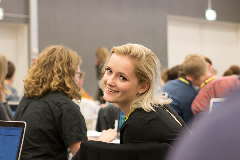 VARSLET: I desember varslet Julie Sandstø om seksuell trakassering i politikken. Det skaper splittelse i ungdomspartiet.