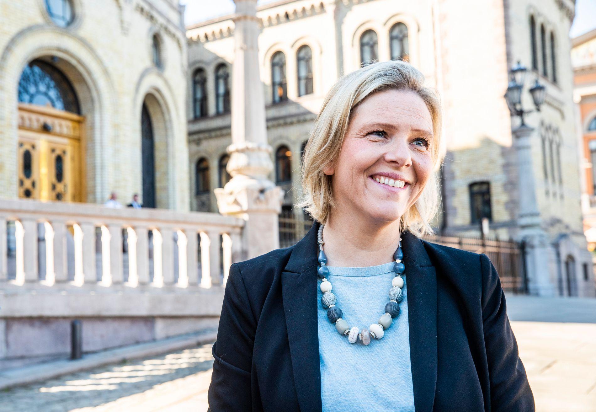 UAKTUELT: Folkehelseminister og Frp-nestleder Sylvi Listhaug mener de få som fortsatt røyker plages nok som det er.