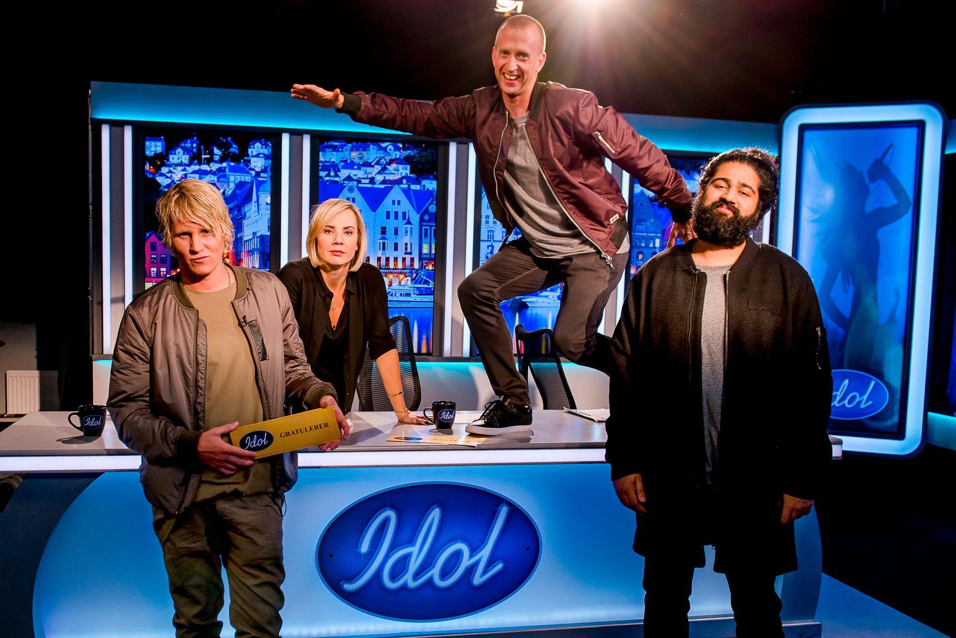 DOMMERKVARTETTEN: Fra venstre: Øyvind «Vinni» Sauvik, Ina Wroldsen, Gunnar Greve og Sandeep Singh. Foto: TV2