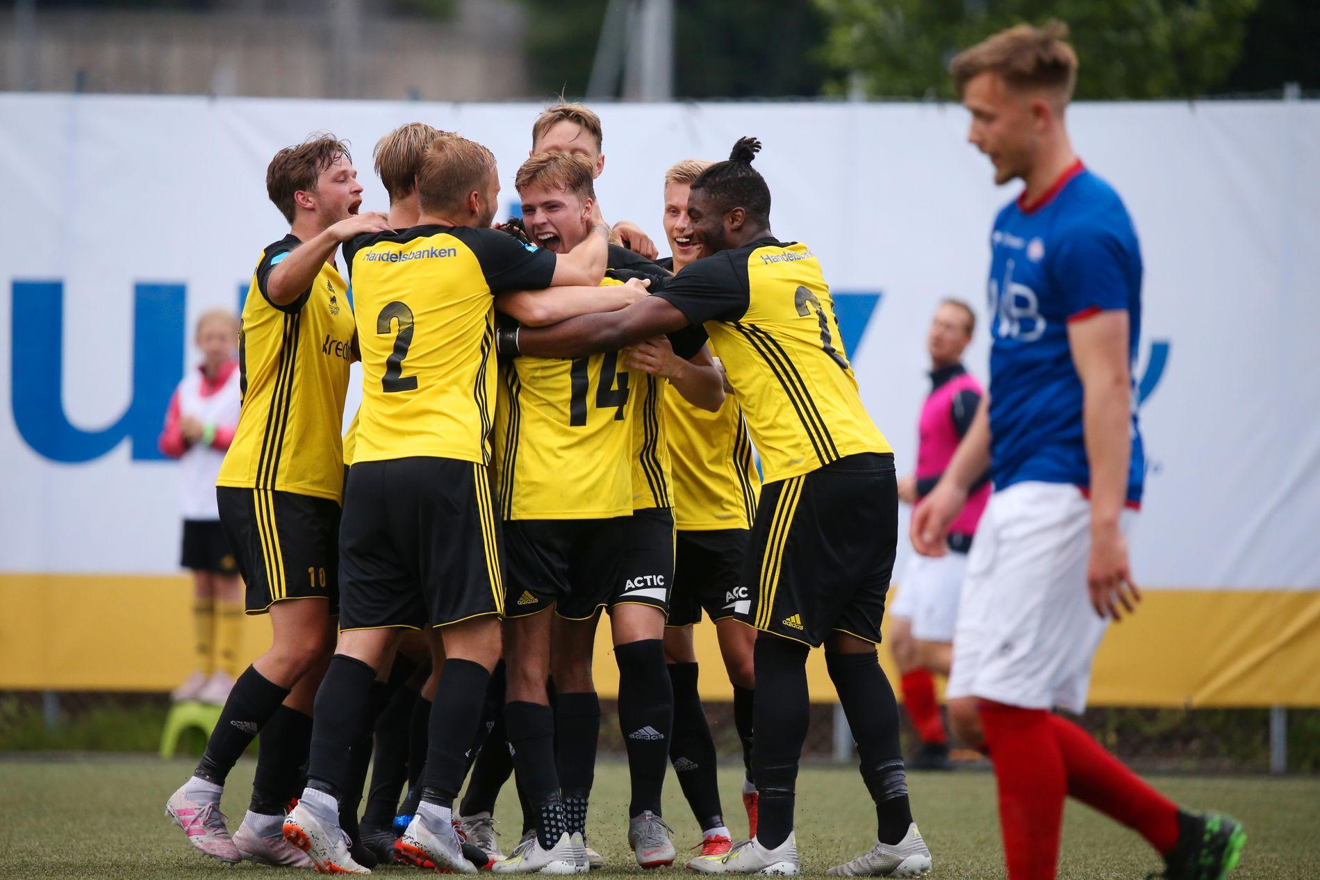 Fem eliteserielag røk ut av cupen onsdag. Vålerenga slapp inn fem mot 2. divisjonsklubben Bærum.