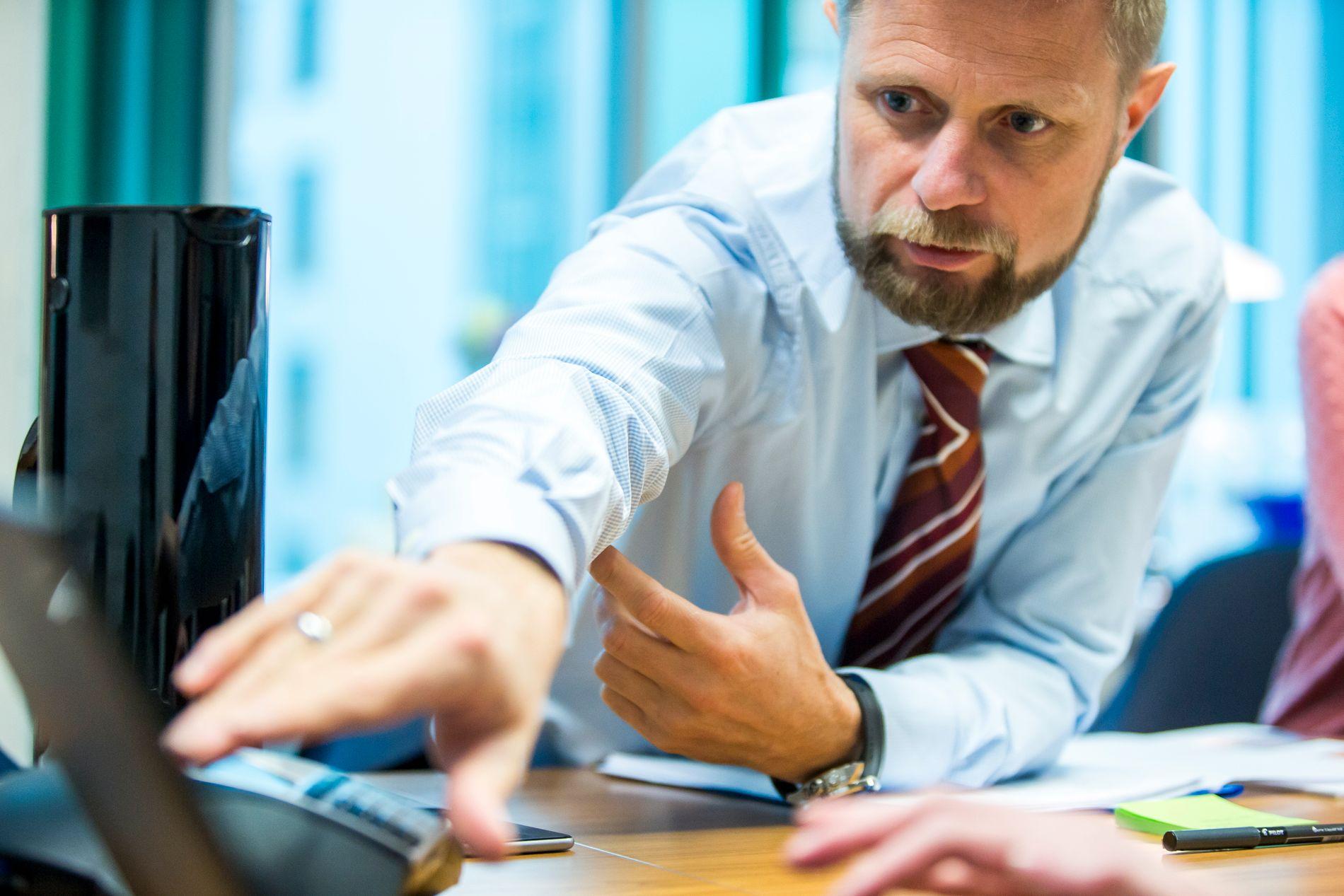 HELSESJEF: Bent Høie har reagert kraftig på VGs avsløringer om ulovlig tvangsbruk i norsk psykiatri.