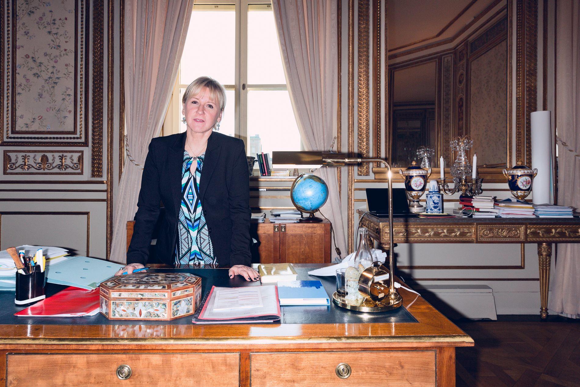VIL HENTE BARNA: Sveriges utenriksminister Margot Wallström (Socialdemokraterna) fotografert på hennes kontor i 2015.