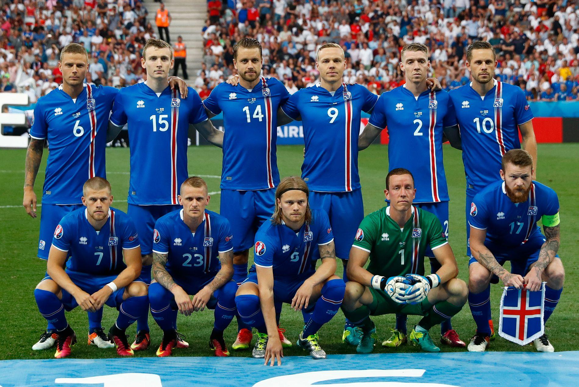 ISLANDSK VINNERLAG: Dette er Islands førsteellever i møtet med England i vakre Nice mandag. Men flere av spillerne må passe seg litt i kveldens kvartfinale mot Frankrike.