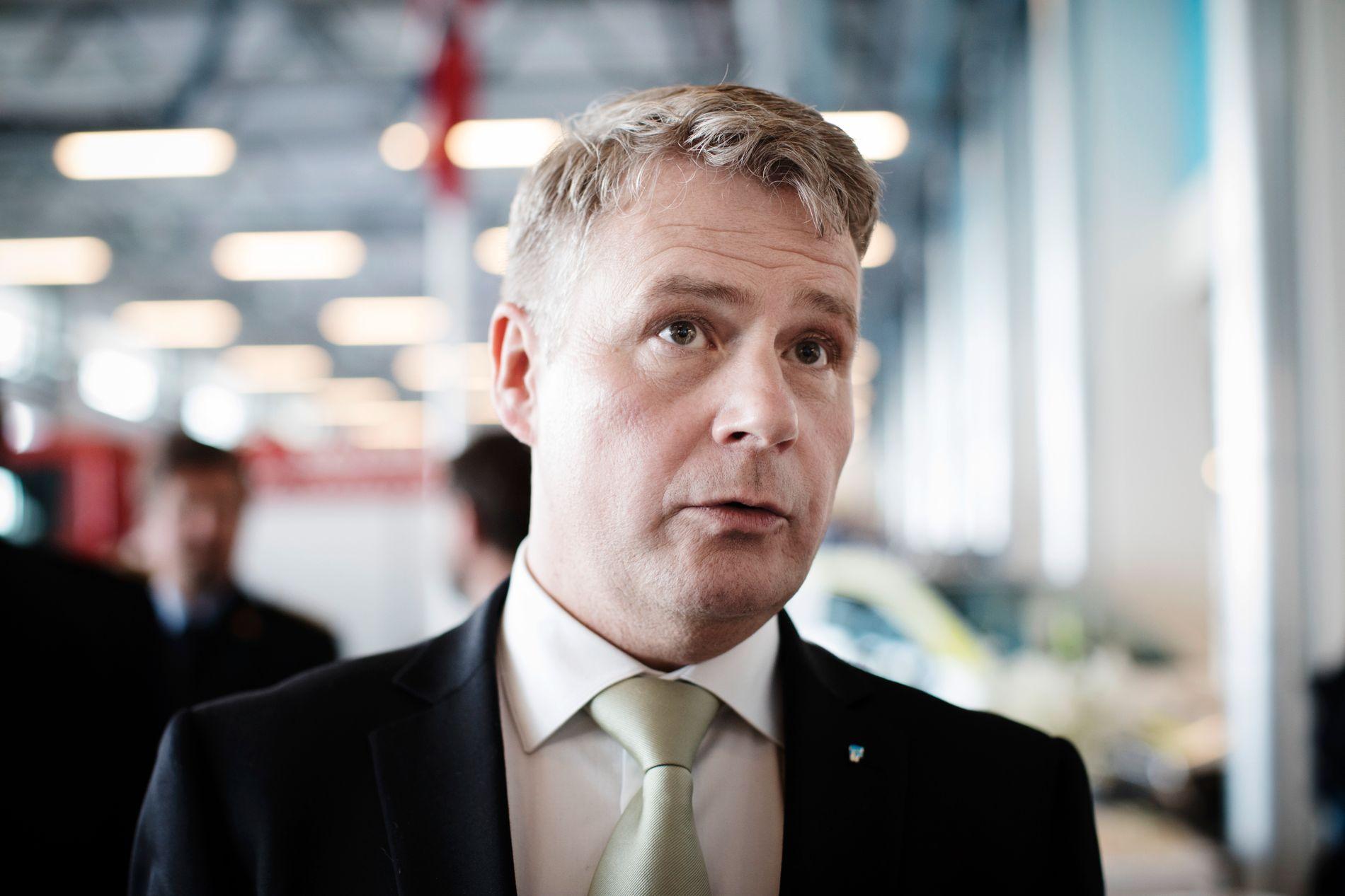 FÅR STØTTE: Justisminister Per- Willy Amundsen (Frp) får støtte for forslaget både av Arbeiderpartiet og Venstre.