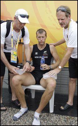 BLE KJØLT NED: Mahe Drysdale, ikke lenge før medaljeutdelingen. Foto: AP