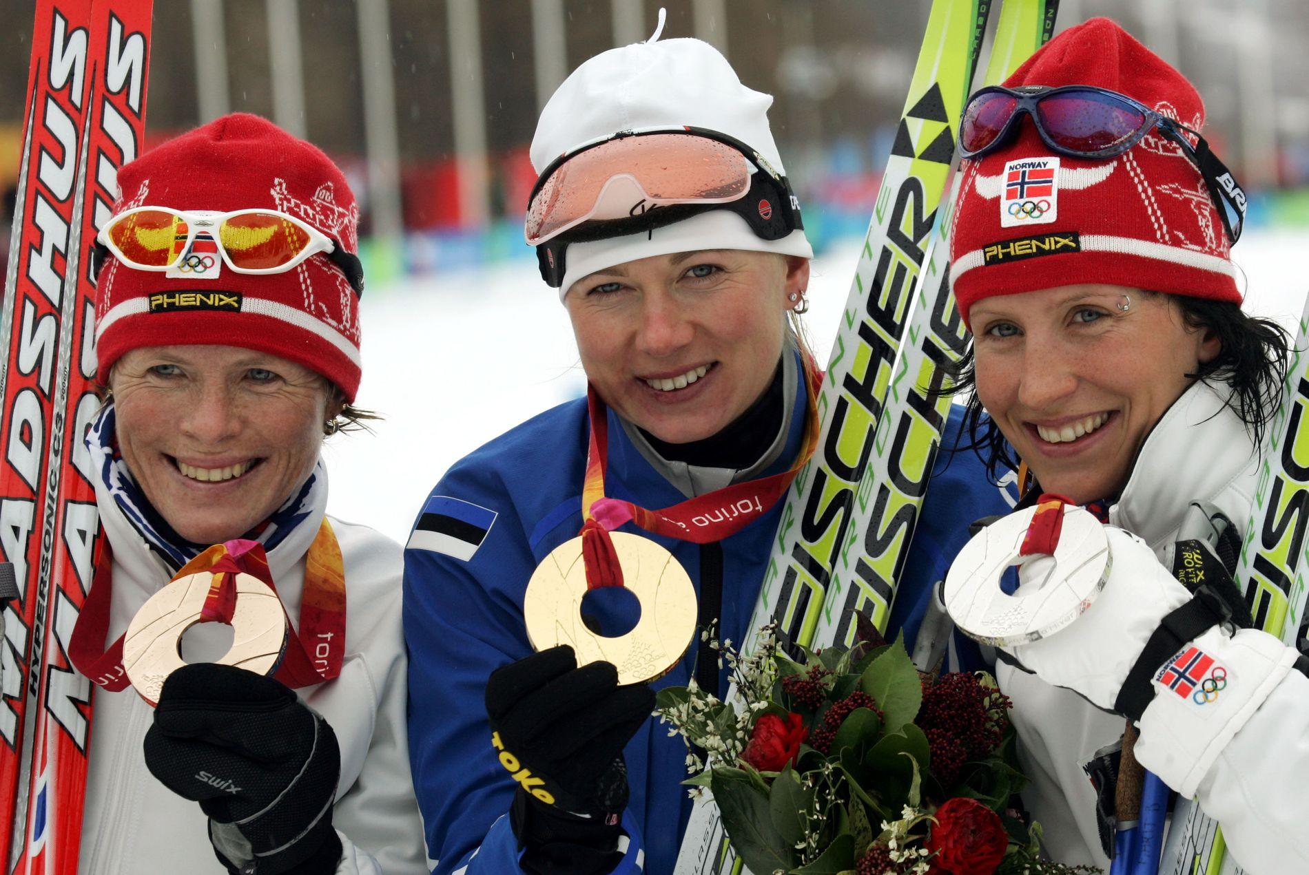 FRIKJENT: Kristina Smigun-Vähi fra Estland vant OL-gull på ti-kilometer i 2006 foran Hilde Gjermundshaug og Marit Bjørgen. Det får hun beholde.