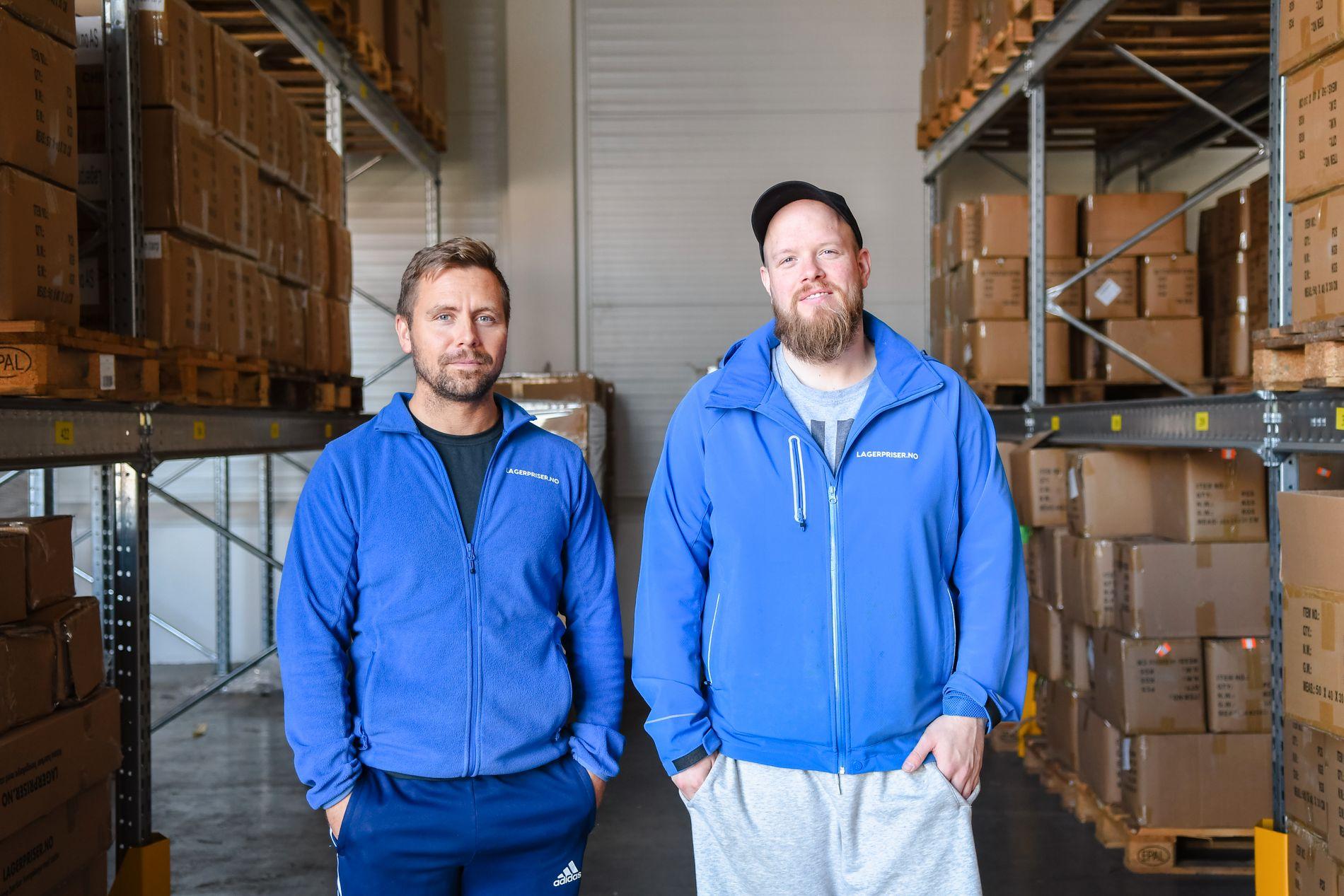 Kim Moen (t.v.) og Erik Kristiansen i Lagerpriser.no velger sjøtransport på grunn av kostnad og miljø.