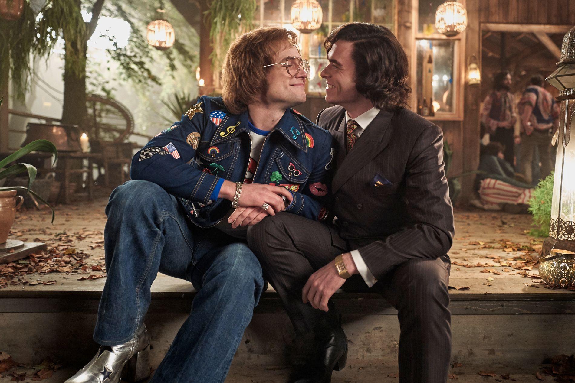 KJÆRLIG: Taron Egerton og Richard Madden i rollene som Elton og John.