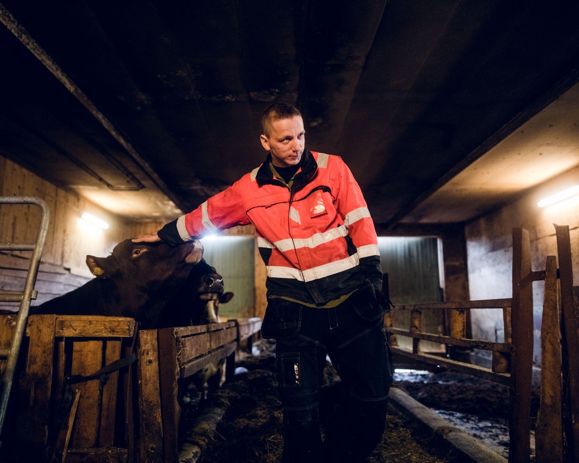 GLAD: Magnus Holøyen (25) sier han er overrasket og glad over at Fylkesmannen i Hedmark nå har ombestemt seg.