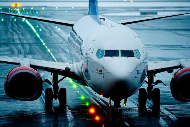 JUBLER IKKE: NHO og Widerøe mener den nye flyseteavgiften vil gå hardt økonomisk utover bransjen, men samtidig ha liten miljøgevinst.