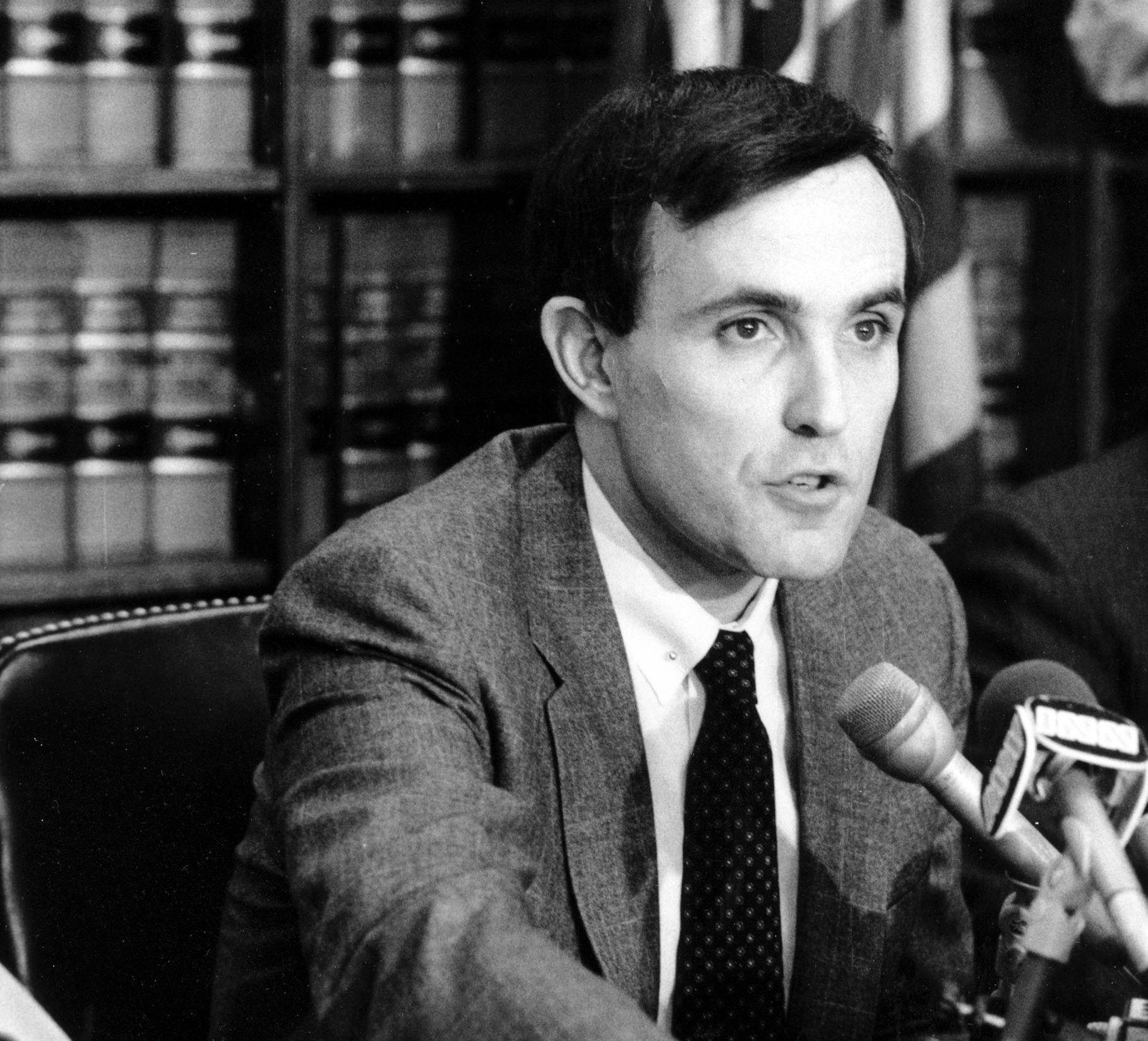 ADVOKAT: Rudy Giuliani ble først kjent som advokat på 1980-tallet. Han markerte seg med saker mot hvitsnippforbrytere og organiserte kriminelle.