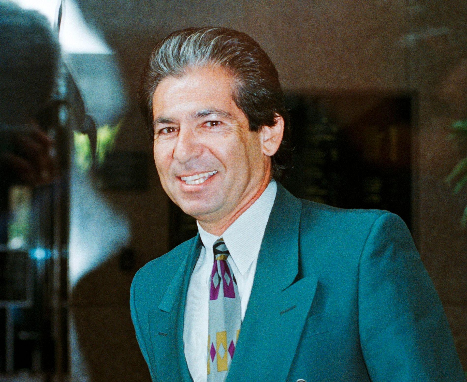 DØD: Robert Kardashian, her avbildet i 1996, ble 59 år.