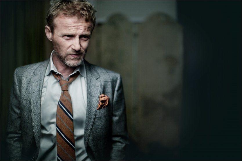 SERIEMORDERJAKT: Jo Nesbø byr på klassisk seriemorderjakt med et komplekst persongalleri i sin kommende thriller «Politi». Foto: ESPEN RASMUSSEN