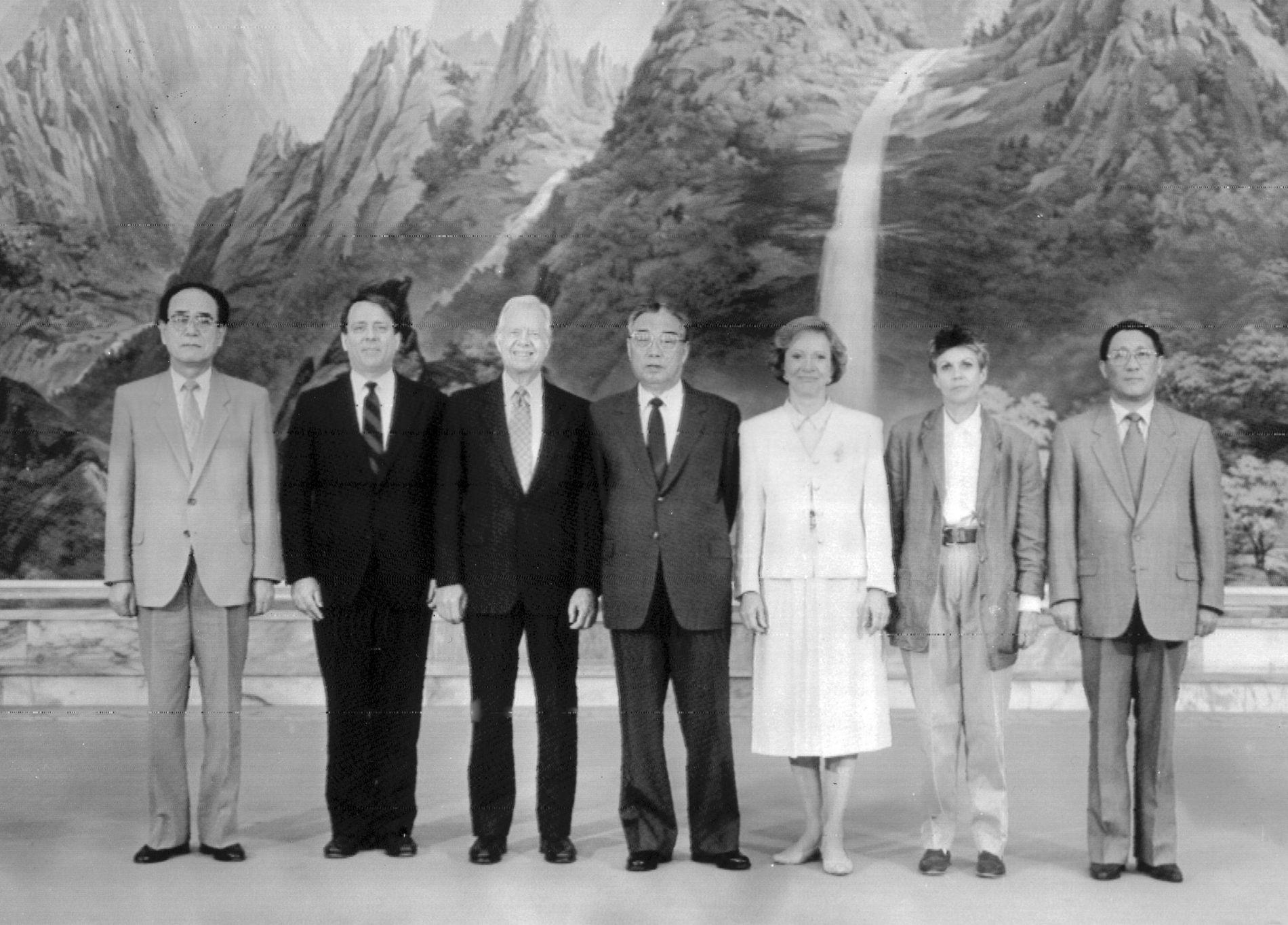 HISTORISK: I 1994 ble det også holdt et historisk møte mellom Nord-Korea og USA, men avtalen fra den gang ble aldri gjennomført.