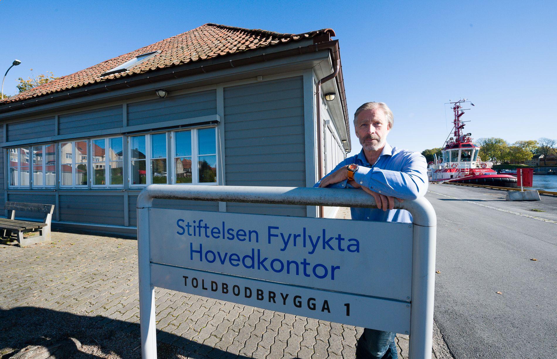 NY LEDELSE: Daglig leder i Stiftelsen Fyrlykta, Morten Nesbakken, utenfor stiftelsens lokaler i Fredrikstad.