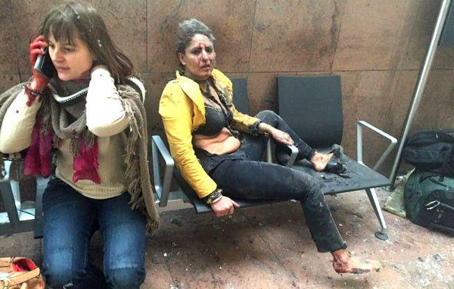 KAOS: Like etter at bombene gikk av på flyplassen i Brussel tirsdag morgen.