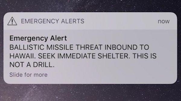 FALSK ALARM: Denne illevarslende meldingen kom på hawaiianernes mobiltelefoner.