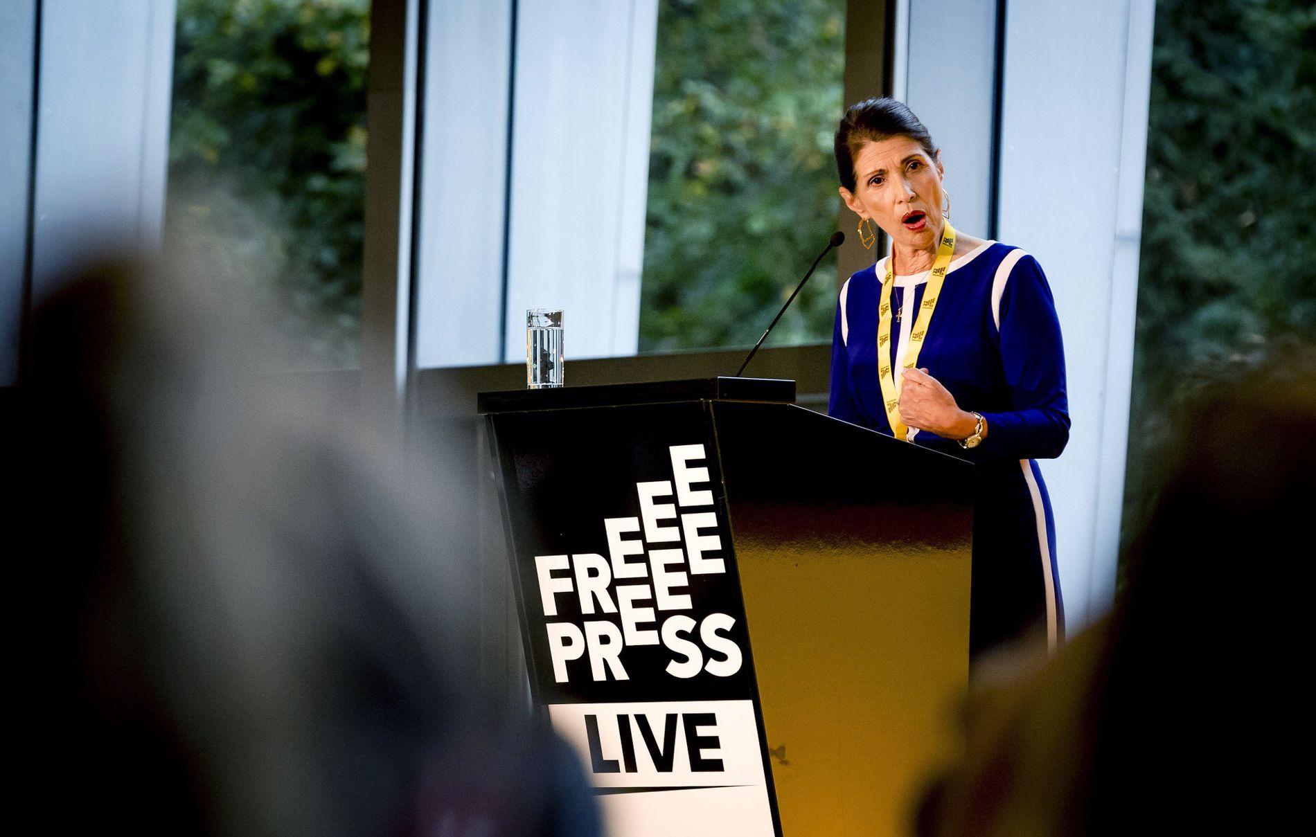 LIVSTID: Diane Foley, moren til  James Foley, som ble tatt til fange- og drept av IS, håper de to pågrepne IS-krigerne blir sperret inne for livstid.