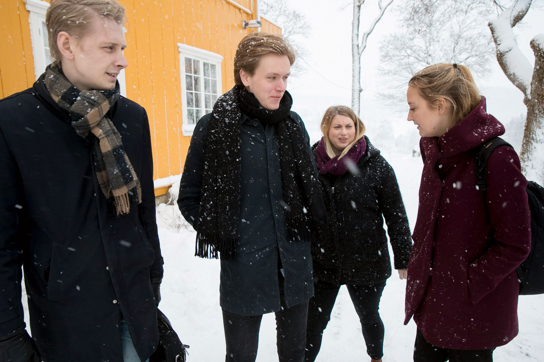 UENIGE:  Ungdomspartilederne i Fpu, Venstre og Høyre er kritiske til abort-endringer. Fra venstre: FpU-nestleder Andreas Brännström , unge Venstres leder Sondre Hansmark, KrFUs leder Martine Tønnessen, og unge Høyres leder Sandra Bruflot.