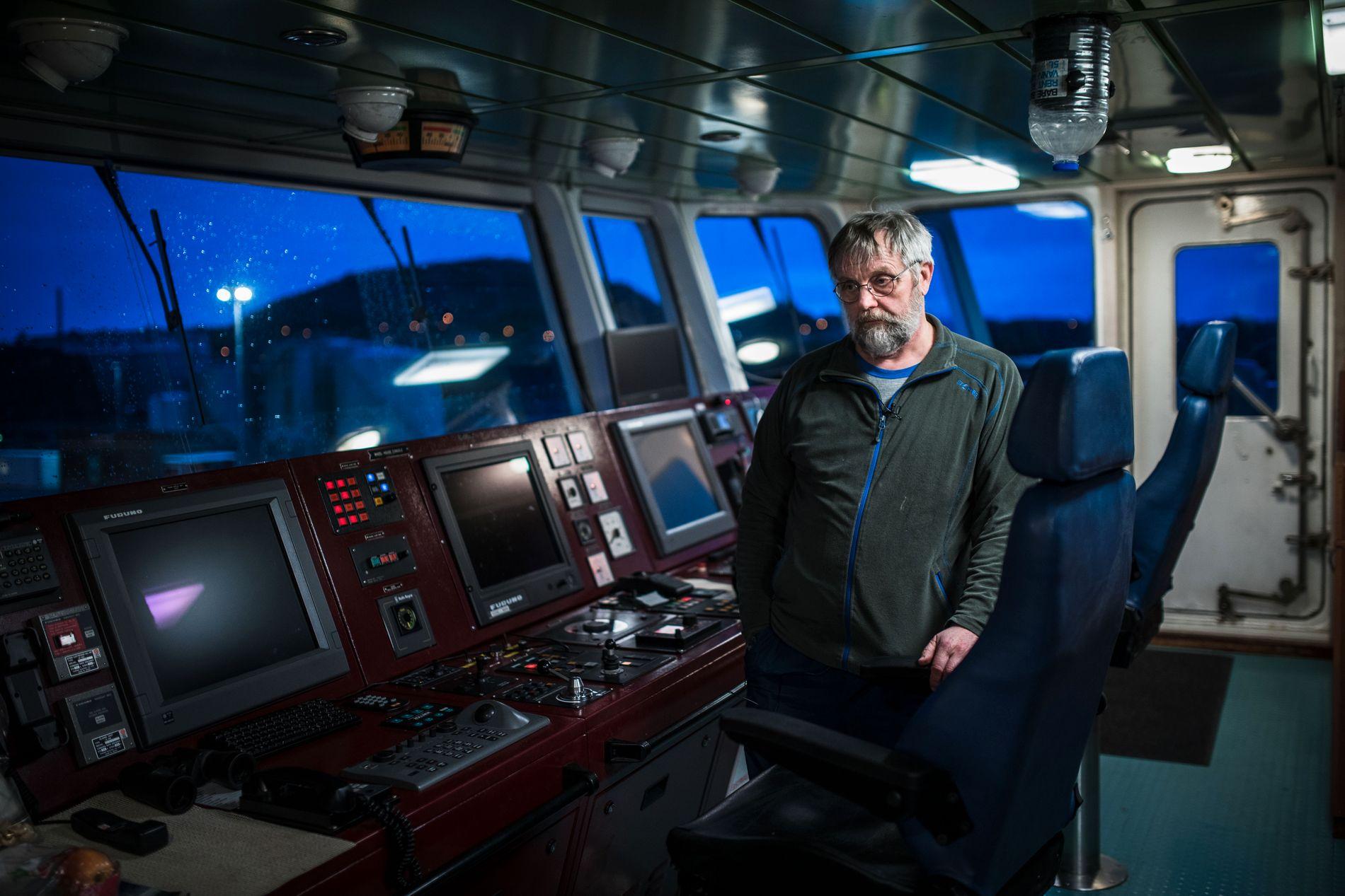TILBAKE PÅ BROA: Kaptein Nils Kristiansen (60) forteller om dramatikken, og roser mannskapet for å beholde roen.