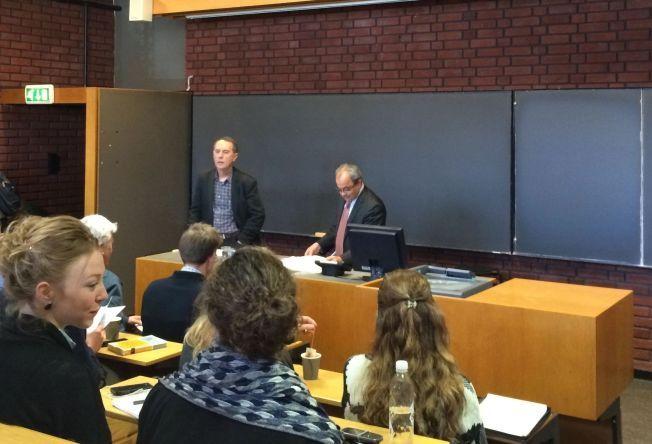 I OSLO: Emad Shahin under foredraget på Blindern i april, sammen med Bjørn Olav Utvik ved Universitetet i Oslo.
