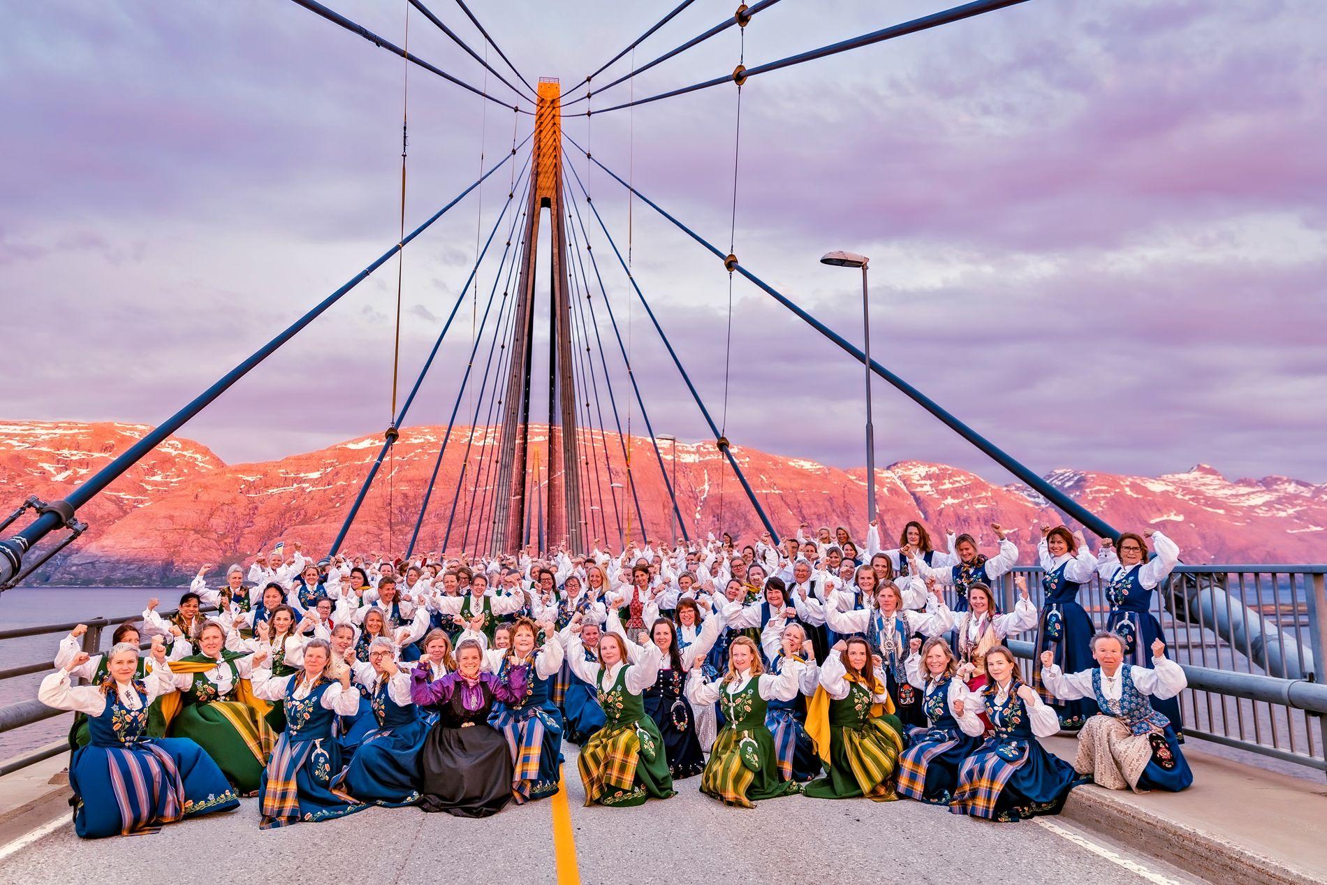 BUNADSGERILJAEN: I aksjon på Helgelandsbrua denne uken.