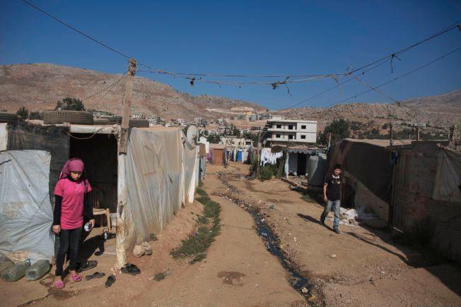 ELENDIGE FORHOLD: Leiren Housein Meraar er en av flere hundre uofisielle leire i Libanon, der syriske flyktninger bor under svært dårlige forhold.  Over 1 million syriske flyktninger bor i landet. Forholdene i leirene er elendige, dårlig sanitære forhold, lite rent vann, manglende medisinsk oppfølging og få muligheter for skolegang for barna.